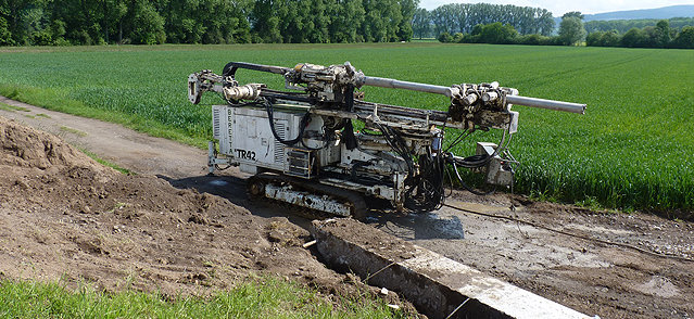bohrmaschine-fuer-pfahlgruender.jpg